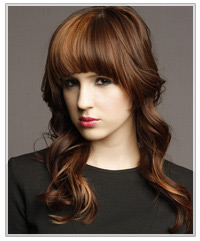 Model with two-tone hair color