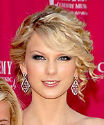 Taylor Swift summer hairstyle