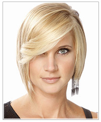 Model with medium length blonde bob