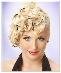 Model with blonde curly hair
