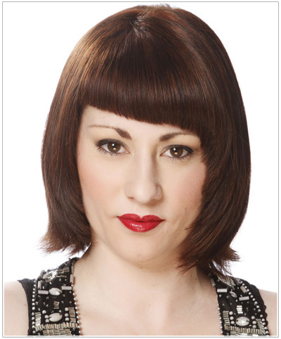 Model with asymmetrical bangs