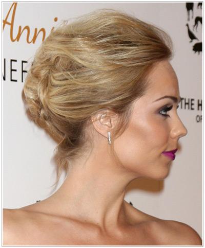 Laura Vandervoort hairstyles