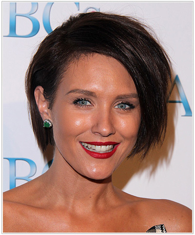 Nicky Whelan Short Straight Side Parted Hairstyle