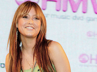 Holly Valance bangs