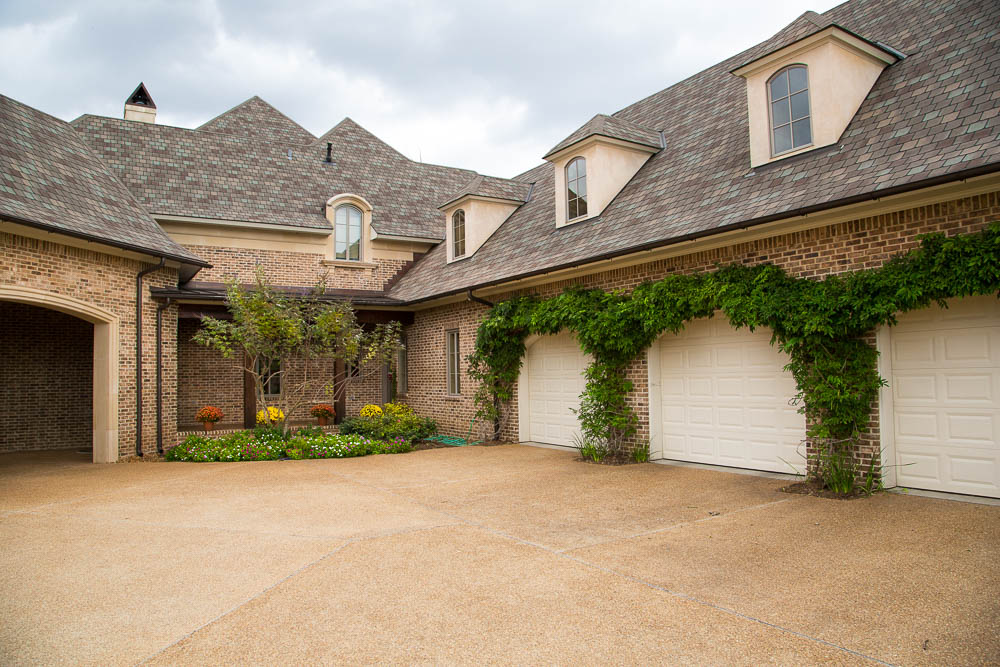 Dousay custom homes inc southern living custom builder for Find custom home builder