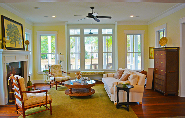 Water 39 s edge southern living house plans for Southern living house plans with keeping rooms