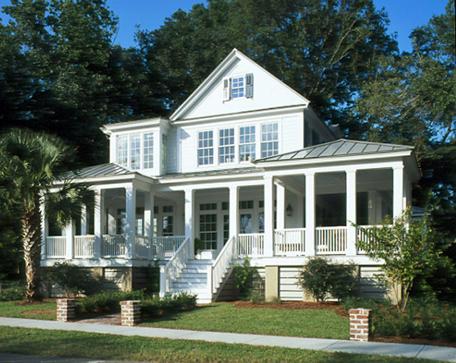 Carolina island house coastal living southern living for House plans with guest houses southern living