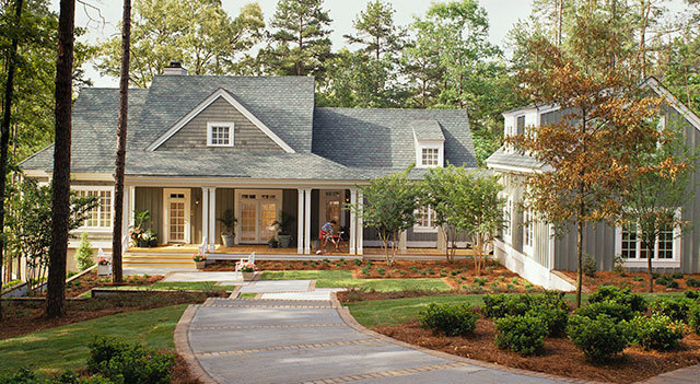Lakeside cottage william h phillips southern living for Lakeside cabin plans