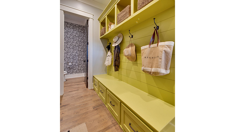 12 sl 2012 4cp mudroom