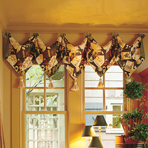 Pointed Valance with Tassels