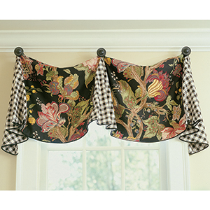 Pleated Valance with Finials