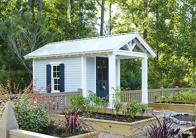 This adorable little outbuilding is ready to be the backyard getaway of your dreams.<br/><br/>