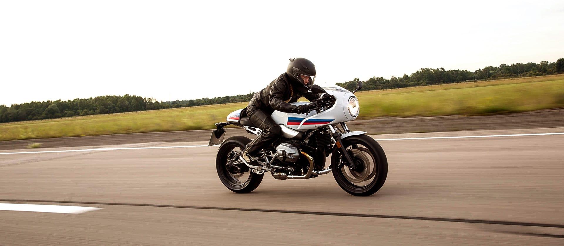 R NineT Racer overtaking