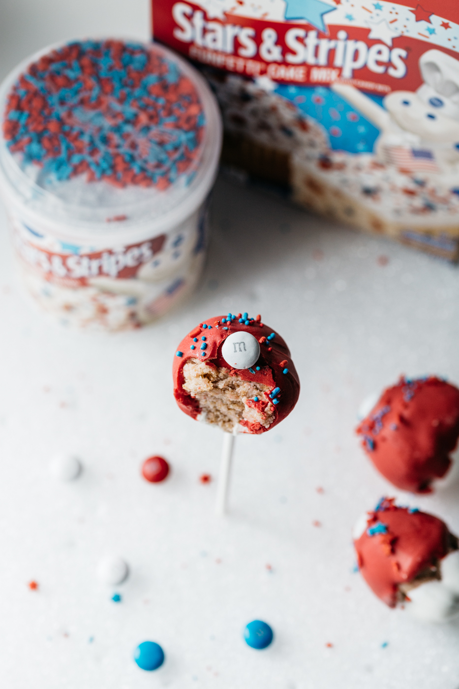cupcake pops, cake pops recipe, pillsbury stars and stripes, 4th of july baking, the kentucky gent, southern cooking blog