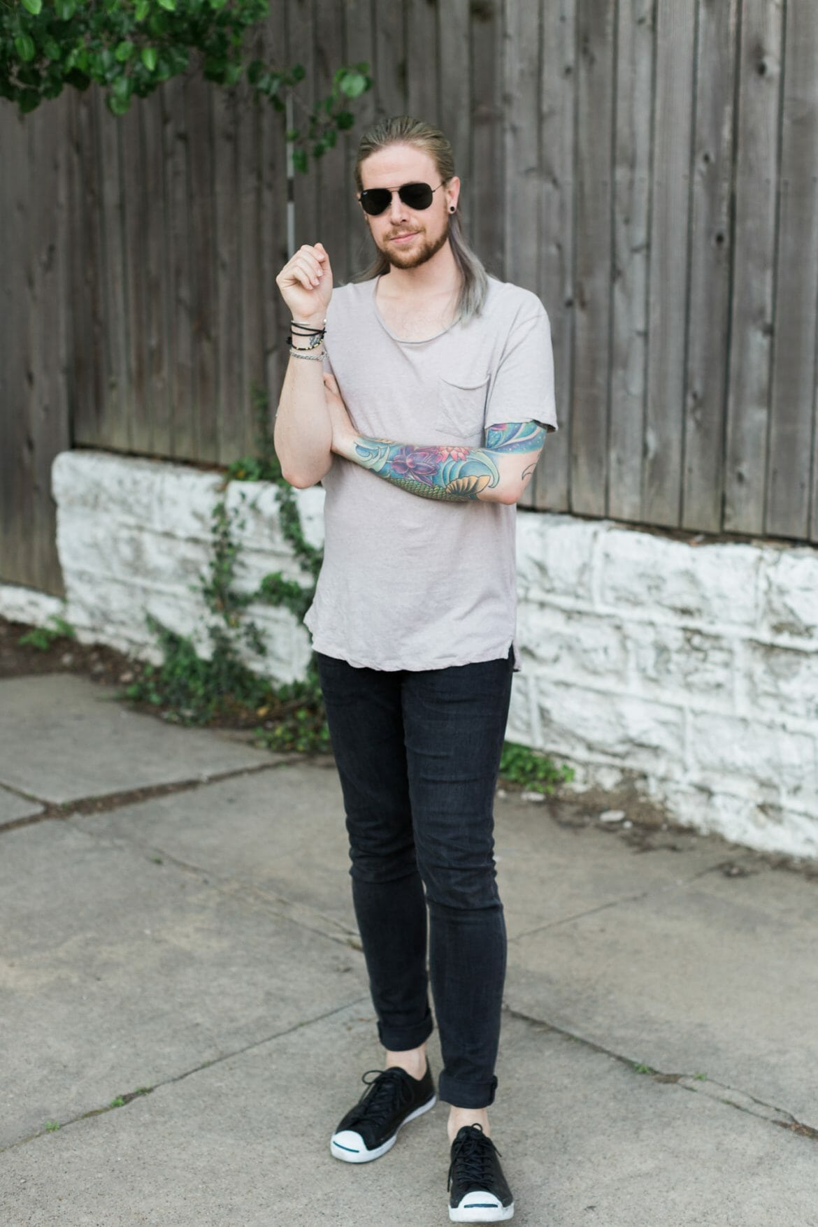 mens hairstyles, half bun on men, mens urban outfitters tee, hm black denim, mens fashion blog