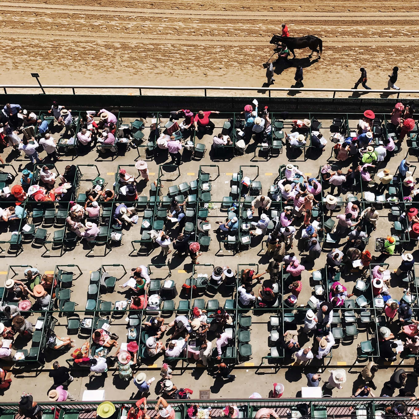 the kentucky derby, louisville kentucky, the kentucky gent, churchill downs, louisville influencer