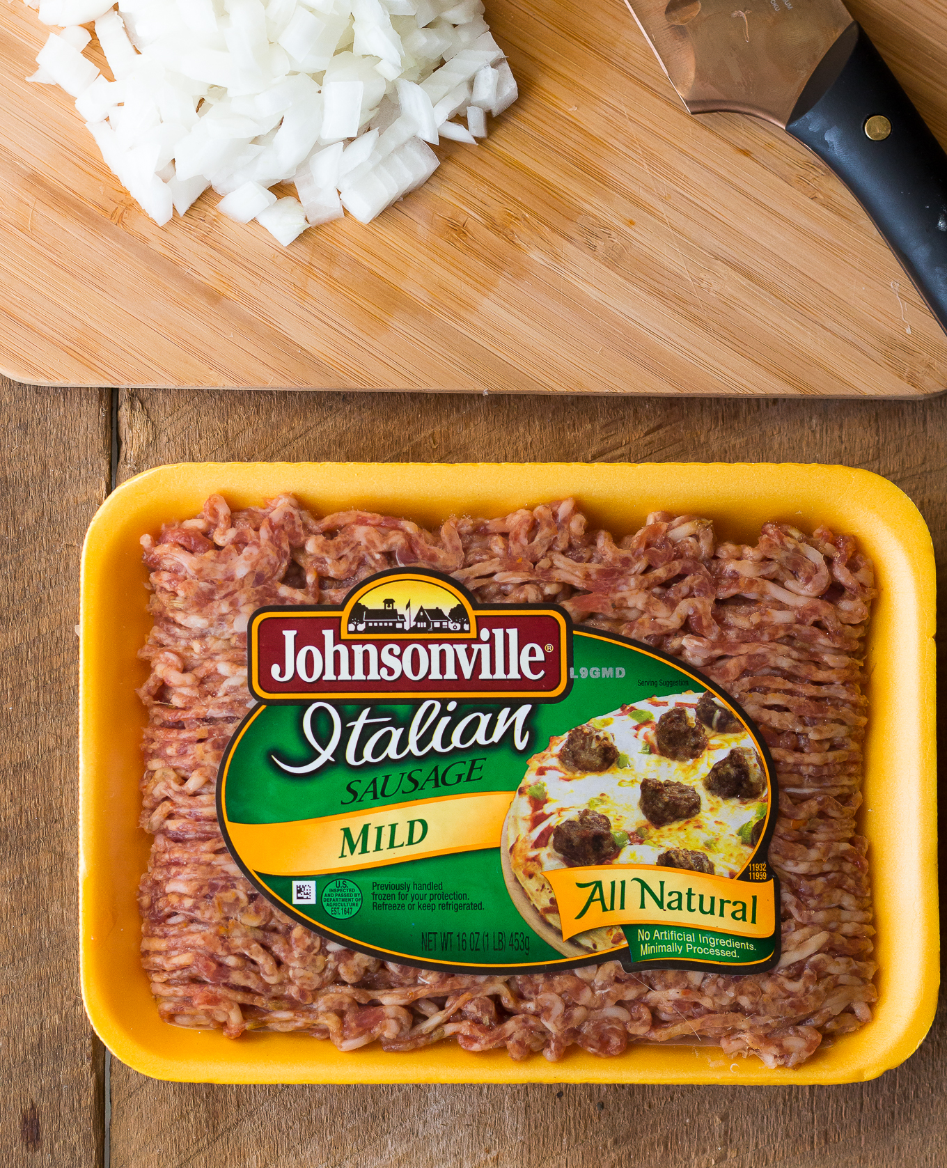 quick and easy dinner recipe, johnsonville sausage, spicy sausage rigatoni, how to make homemade pasta sauce