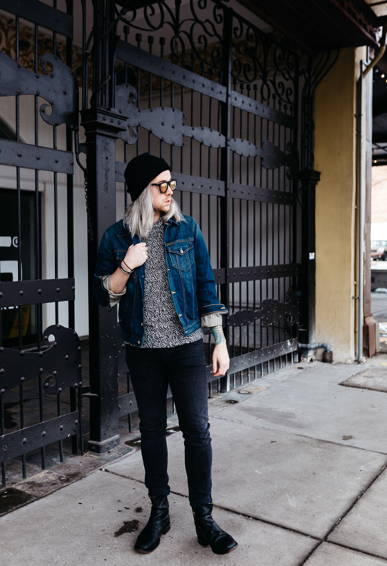 mens fashion blogger, mens denim jacket, how to wear denim jacket, how to dress for winter in a denim jacket, mens style blogger