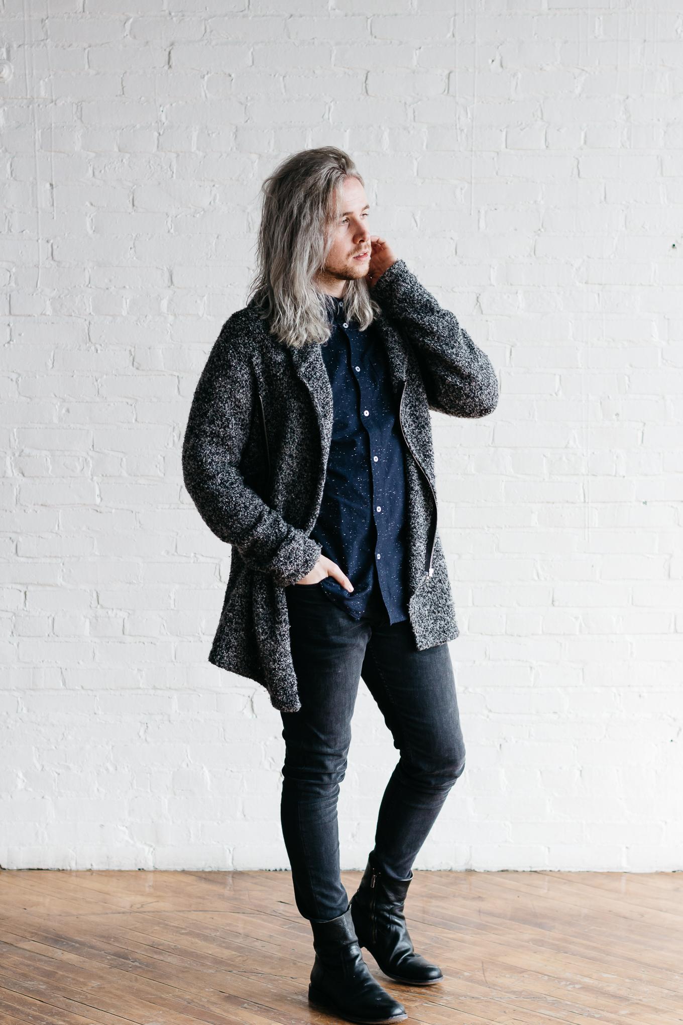 mens silver hair, mens colored gray hair, colored gray hair, how to get gray hair