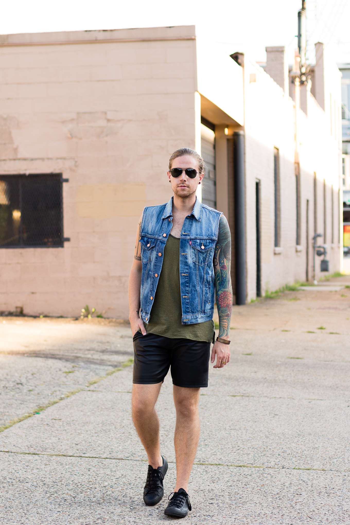 levis denim vest, topman faux leather shorts, converse sneakers, ray-ban aviators, mens fashion blog