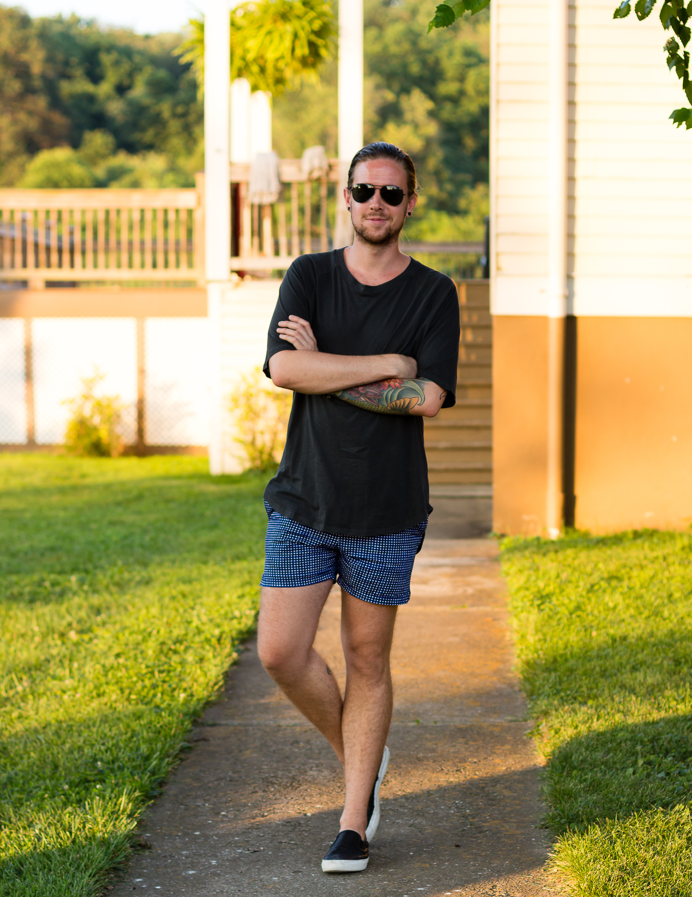 hm, oversized tee, printed shorts, slip on sneakers, summer mens fashion