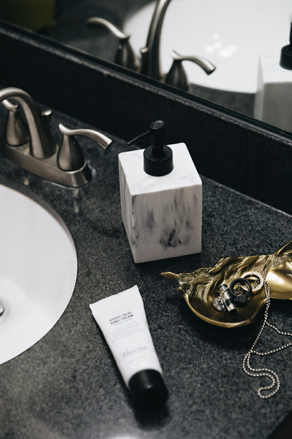 How to Recreate a Hotel Bathroom at Home