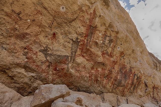 rock-painting-baja-california