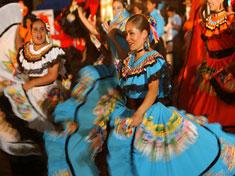 Danseuses le jour de la fête nationale