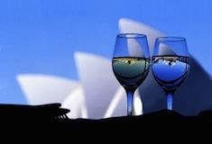 L'opéra de Sydney dans un verre de vin