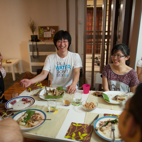 A traditional malay dinner with host Nadya in Singapore