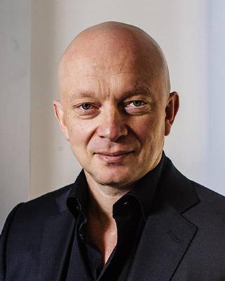 Igor tulchinsky 320x400