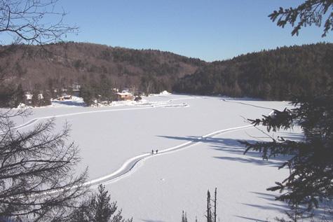 Aux-berges-du-lac-Castor-patinoire