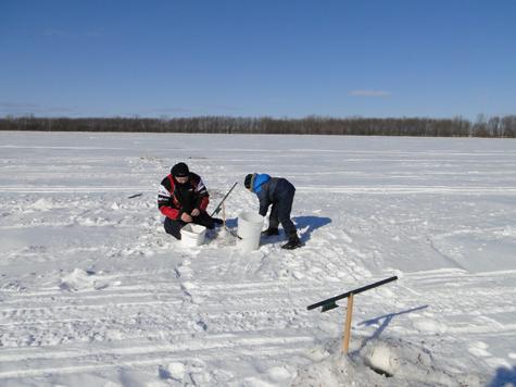 Le repos avec la pêche à beloroussii