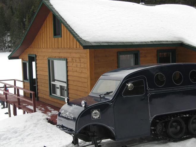 Refuge Cournoyer -snowmobile-club-hosanna
