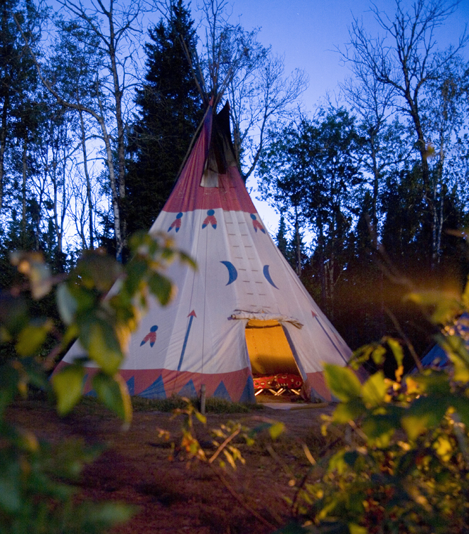 tipi-village-innusit-lac-edouard