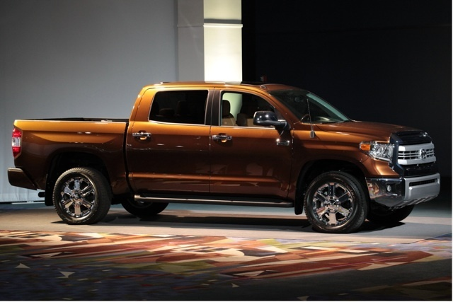 toyota canada toyota unveils 2014 redesigned tundra full. Black Bedroom Furniture Sets. Home Design Ideas