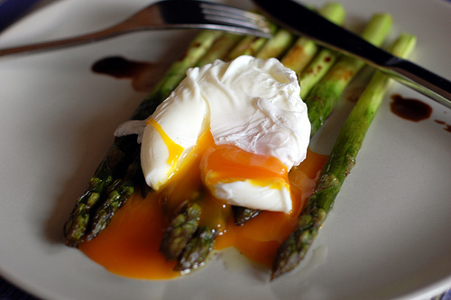 Roasted Asparagus Topped with a Poached Egg recipe