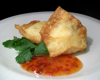 Crab_rangoon_medium