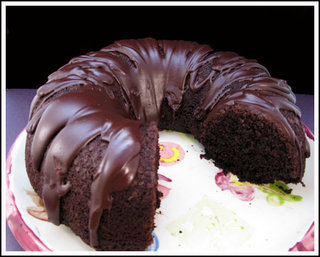 Hershey_bar_bundt-cake_medium