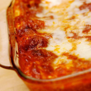 Easy-lasagna-recipe-photo-260-cn-0002_medium