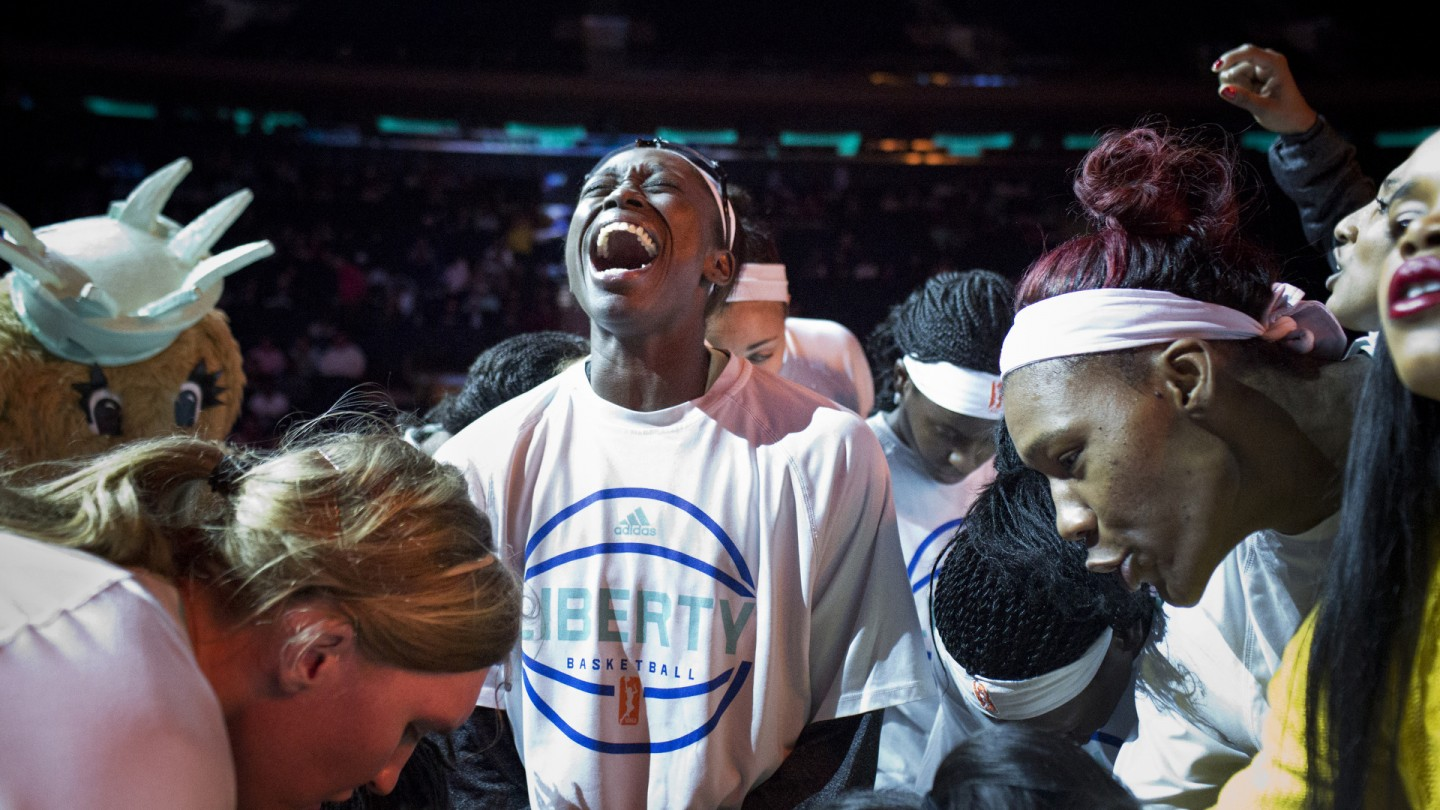 Essence Carson pumps up her team during the huddle before Game 3 of the Eastern Conference Finals.