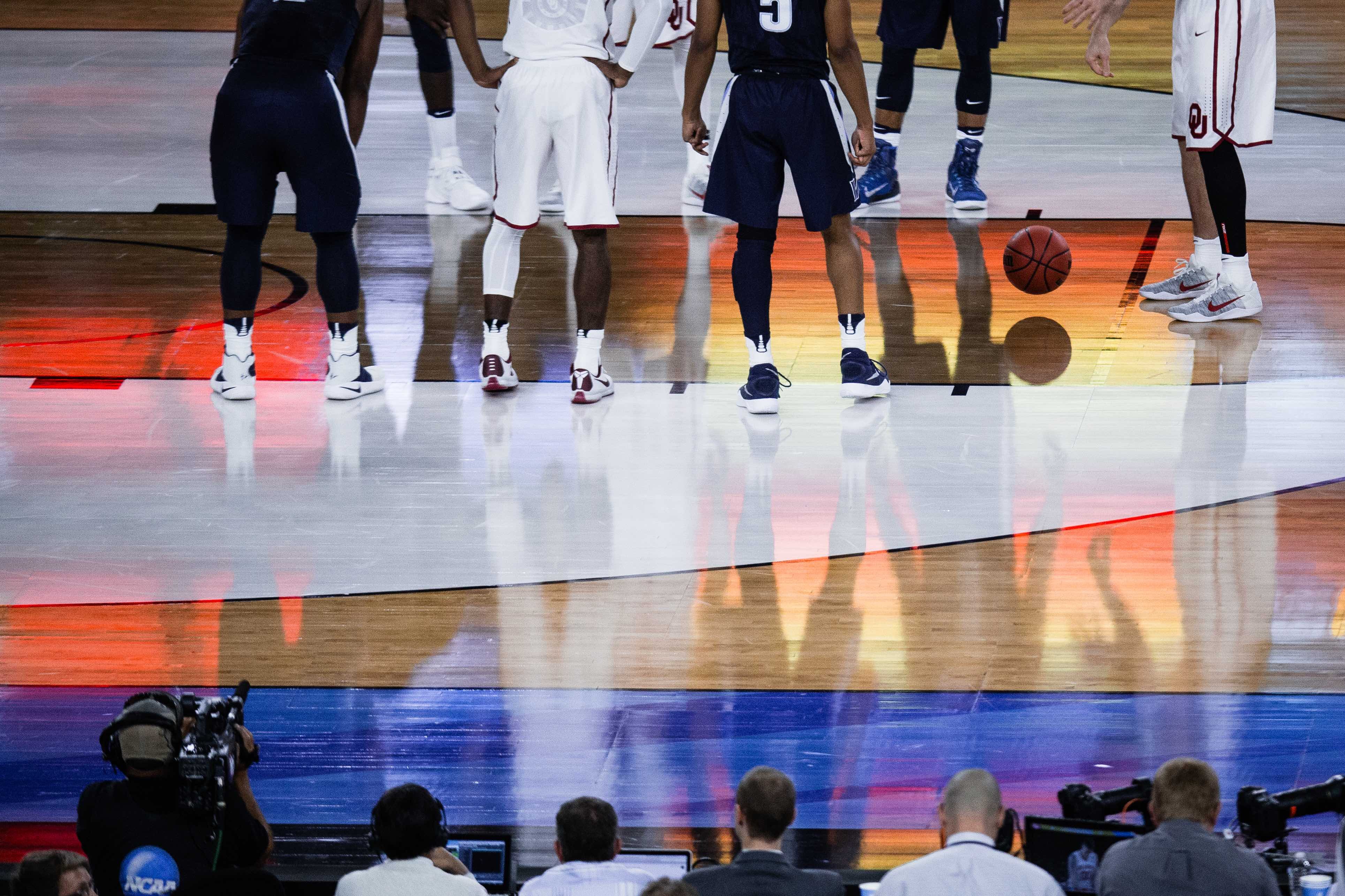 Villanova takes on Oklahoma during the NCAA Final Four at NRG Stadium in Houston, TX on April 2, 2016. Photo by Sam Maller