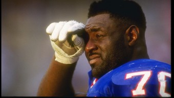10 Nov 1991:  Defensive back Leonard Marshall  of the New York Giants pauses to reflect during a game with the Arizona Cardinals at the Sun Devil Stadium in Tempe, Arizona.  The Giants won,  21-14.  Mandatory Credit: Stephen Dunn  /Allsport