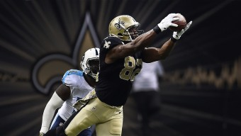 NEW ORLEANS, LA - NOVEMBER 08:  Benjamin Watson #82 of the New Orleans Saints catches a pass in front of Da'Norris Searcy #21 of the Tennessee Titans during the second quarter of a game at the Mercedes-Benz Superdome on November 8, 2015 in New Orleans, Louisiana.  (Photo by Stacy Revere/Getty Images)