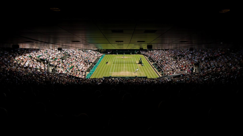 Roger Federer against Sam Groth on Day 6.