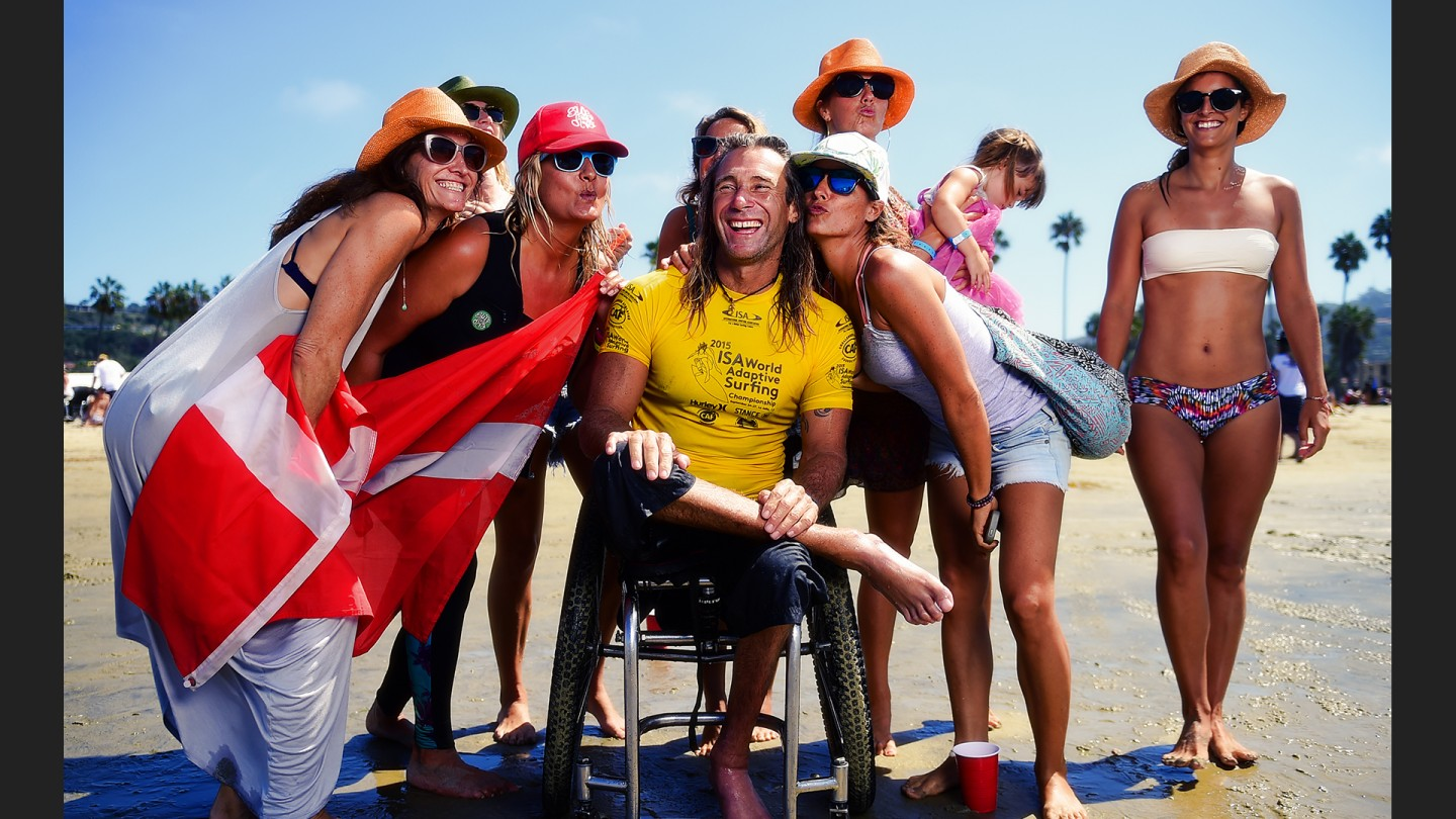 Brunz Hansen lives (and surfs) in Bali, was born in South Africa and surfs for the Danes. He lost the use of his legs 1998 when he was shot during a car jacking.