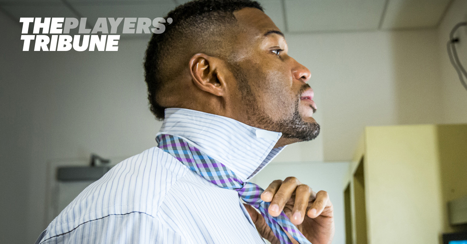 real fan life backstage with michael strahan ben office fan