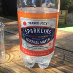 Sparkling_cranberry_clementine_mineral_water