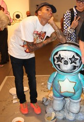 Artist: Chris Brown