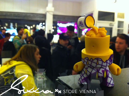 This_is_how_vienna_rocks_a_fatcap_3_release-sixxa_store_with_artists_flying_frtress__nychos-trampt-202m